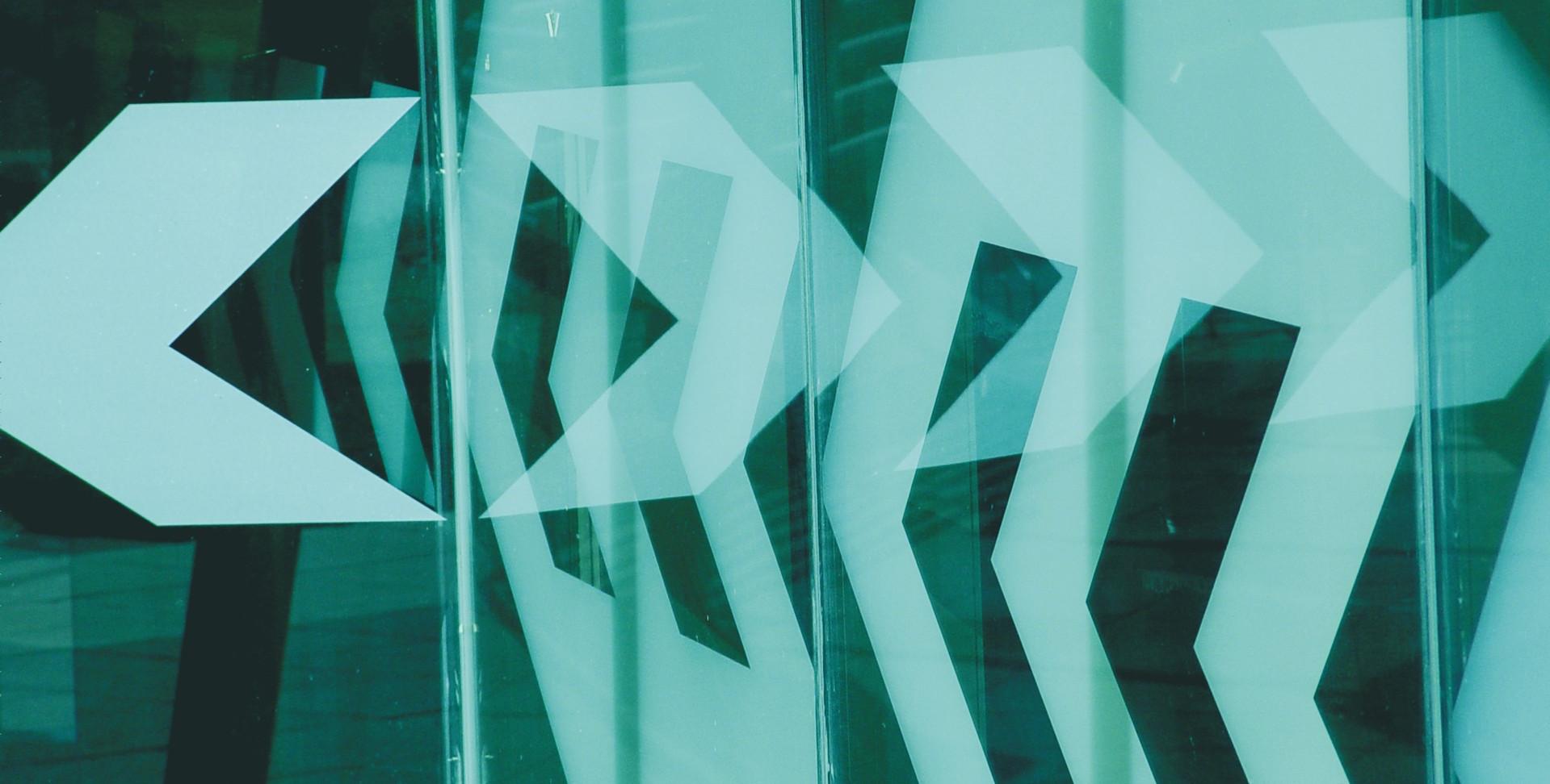 arrows-1186404-1919x1283